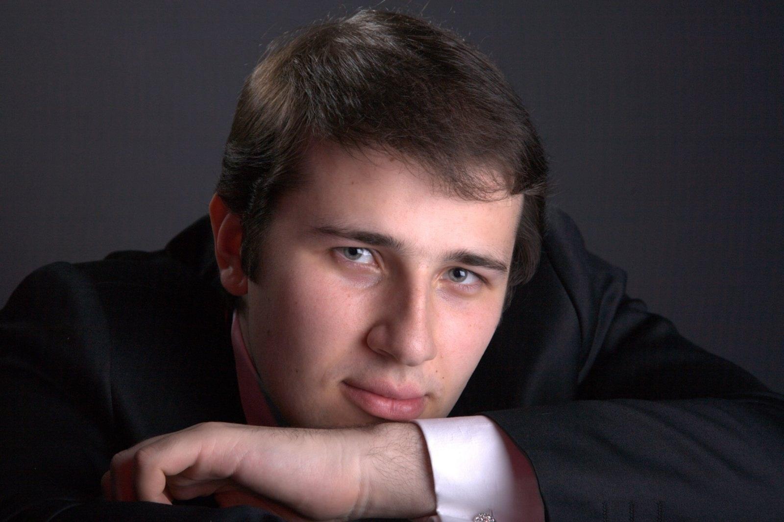 Il pianista ucraino Stanislav Khristenko