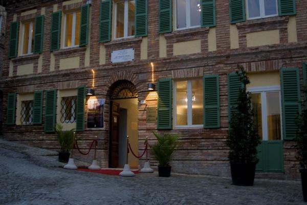 L'entrata del Palazzo