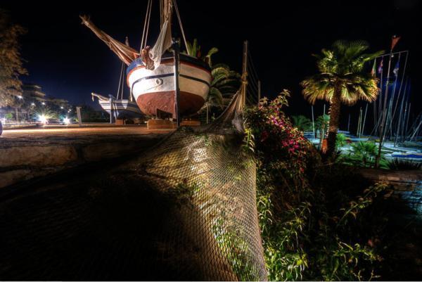 Il Circolo Ragn'a Vela in notturna (foto di N. Contiero)