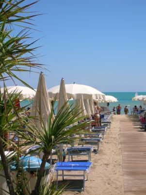 La spiaggia di giorno