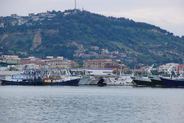 Il porto dal mare