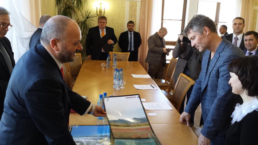 Gaspari  con il sindaco di Ekaterinburg