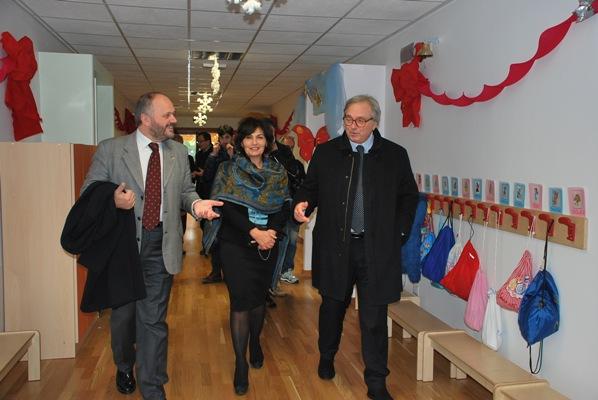 Alcuni momenti dell'inaugurazione della scuola di via Alfortville