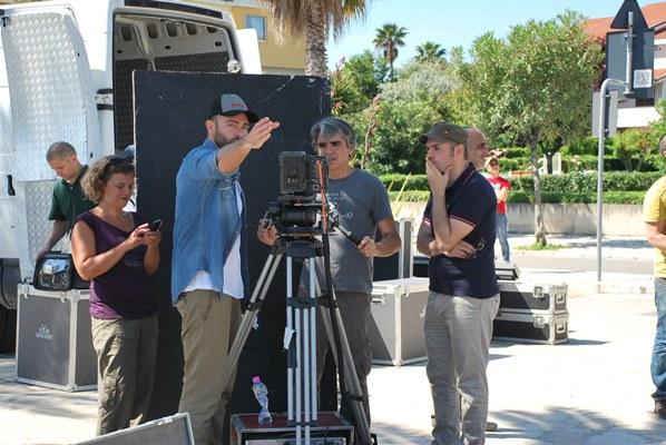 Le foto del backstage del set cinematografico allestito sul lungomare per le riprese dello spot della Regione Marche