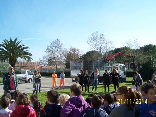 I bambini degli ISC cittadini piantano gli alberi