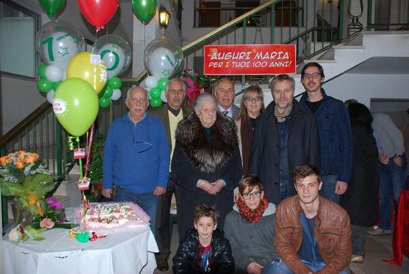 Auguri a nonna Maria Porcarelli, prima centenaria del 2015