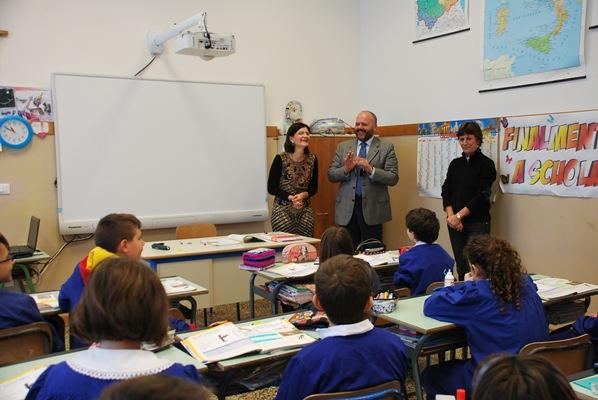 """Alcuni scatti dell'incontro del Sindaco con gli studenti della scuola """"Caselli"""""""