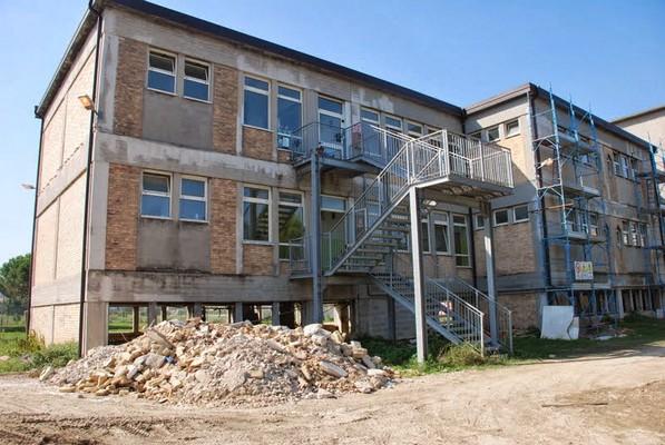I lavori nella parte posteriore dell'edificio