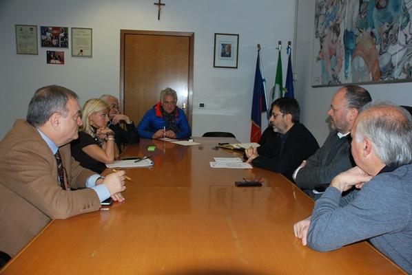 Un momento dell'incontro tra Comune, GAC Marche Sud e Camere di Commercio