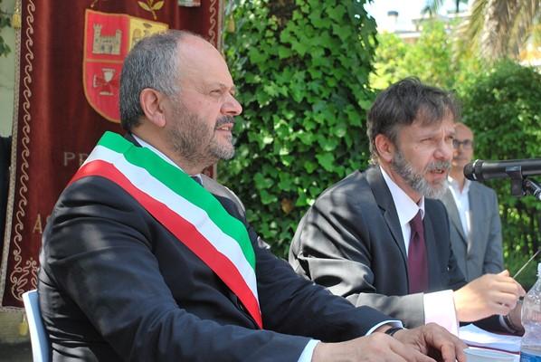 Il sindaco Gaspari con il prof. Daniele Donati relatore della giornata