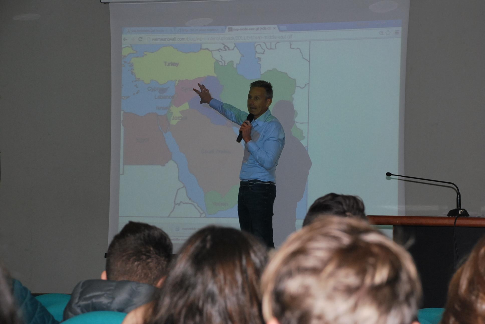 Alcune immagini dell'incontro con il prof. Alessandro Orsini