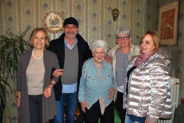 Nonna Sterina festeggiata dall'Amministrazione comunale
