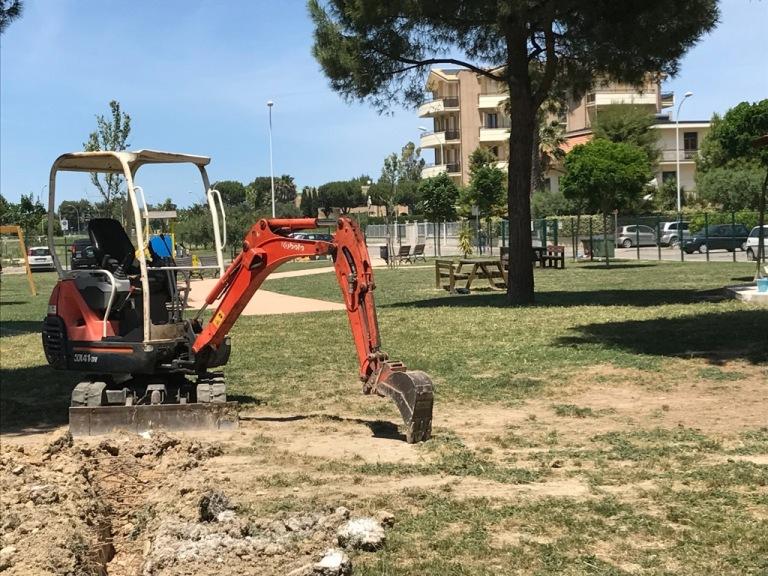 L'inizio dei lavori nel parco
