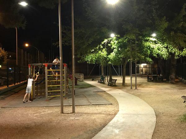 La nuova illuminazione nel parco di via Ferri