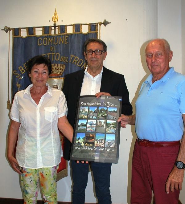 I coniugi Boyer con il sindaco Piunti