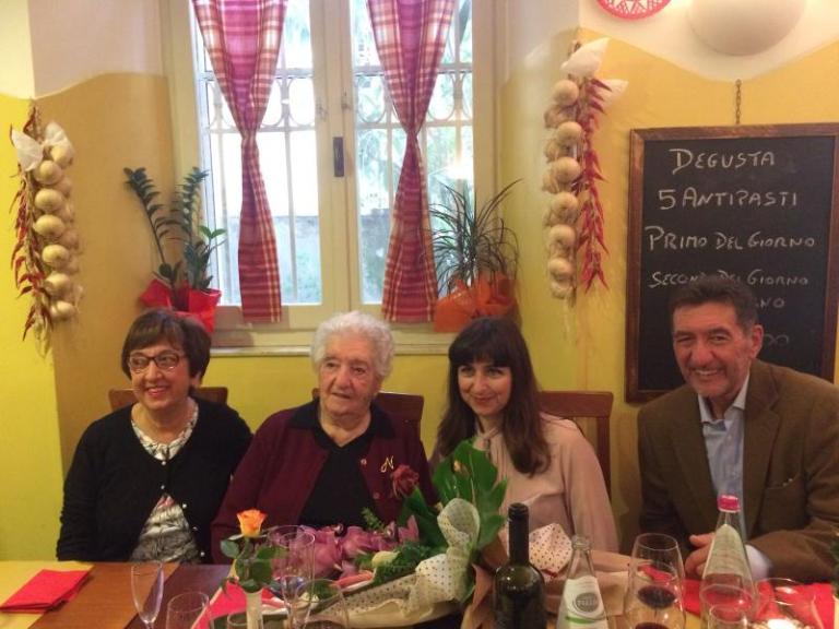 La festa per i 100 anni della signora Nelina