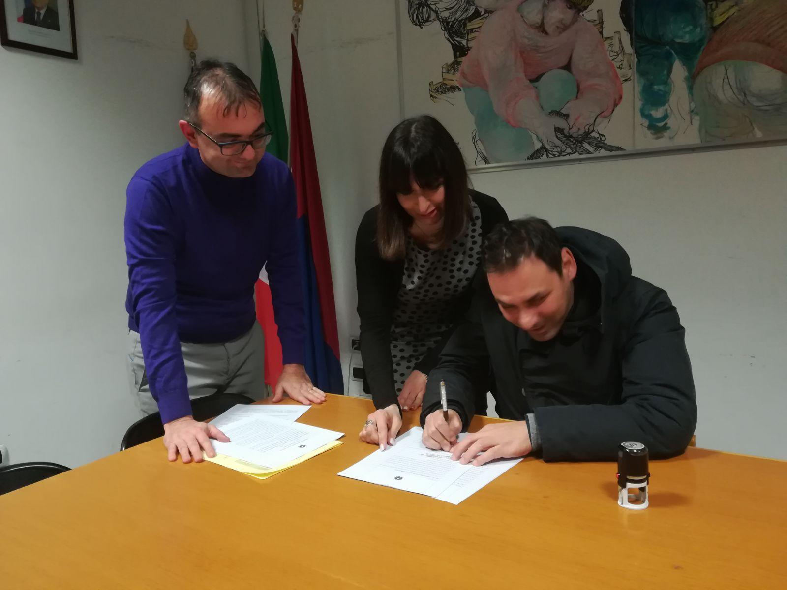 La firma della convenzione con gli ipovedenti