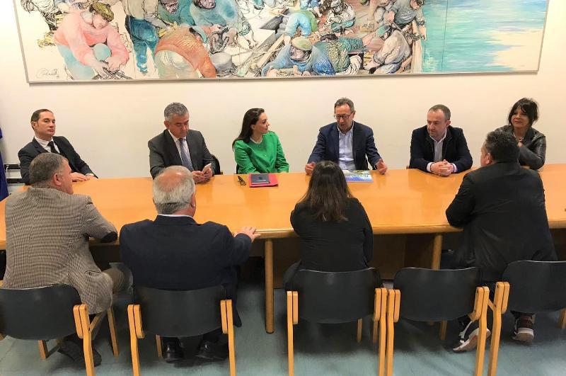 Due momenti dell'incontro con la comunità albanese