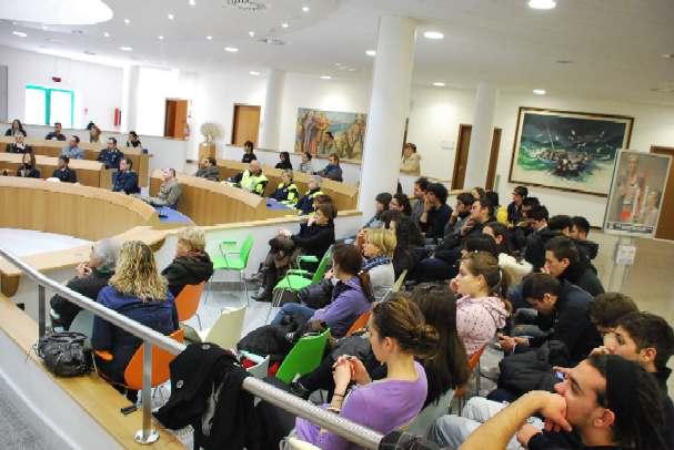 """Autorità e studenti in Sala consiliare per la celebrazione del """"Giorno del ricordo"""""""
