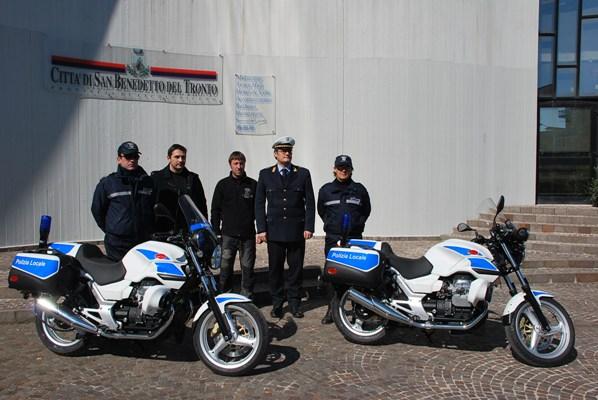 La presentazione dei due novi mezzi della Polizia Municipale