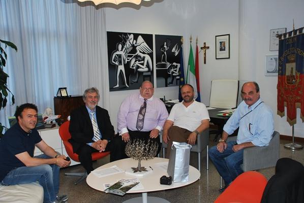 La delegazione con il sindaco Gaspari