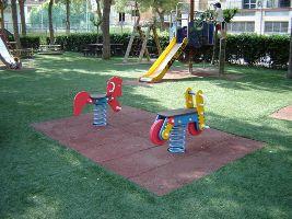 I nuovi giochi nel rinnovato Parco di Via Formentini