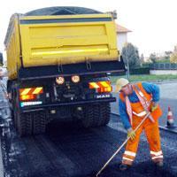 Al via il rifacimento degli asfalti in via Toscana
