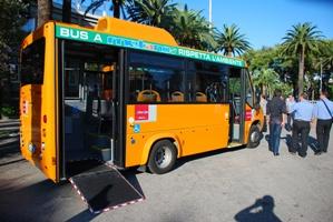 Un'immagine di uno dei nuovi autobus a metano