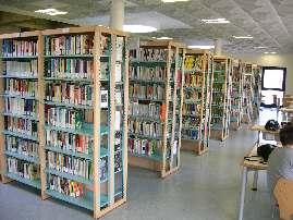 In biblioteca dei libri per gli ipovedenti