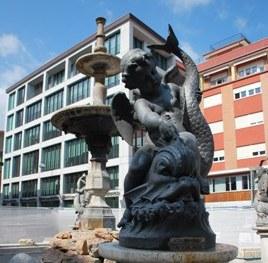 Piazza Matteotti, la fontana torna al suo antico splendore