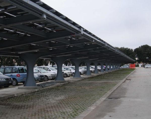 Tetti e spazi pubblici per impianti fotovoltaici