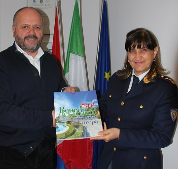 Il comandante della Polizia Stradale in visita alla città