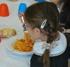 Riaprono le mense scolastiche con una cucina in più