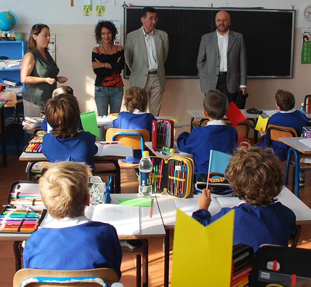 """Il Sindaco in visita alla scuola """"Miscia"""""""