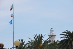 La Bandiera Blu esposta nel centro cittadino