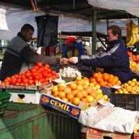 Venerdì 1° maggio si svolge regolarmente il mercato nel centro cittadino