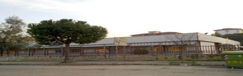 Foto della facciata esterna della scuola